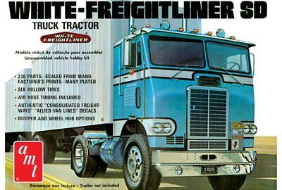 White Freightliner Single Drive Tractor 1/25 scale AMT plastic model kit#1004