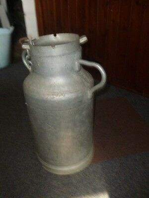 Vintage french aluminium milk churn with lid and chain (ref 2)