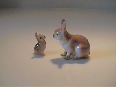 Vintage 1987 Hagen Renaker Cottontail Mama And Baby Rabbits