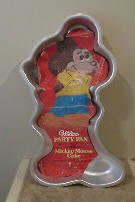 Phenomenal Cake Pans Cake Pan Vintage Mickey Mouse Cake Pan Wilton Pan 1978 Personalised Birthday Cards Cominlily Jamesorg