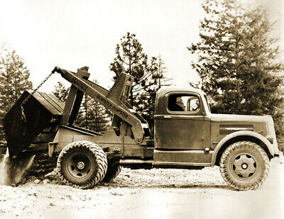 "1940-1950 Dempster Dumpster Truck, WA Vintage Old Photo 8.5"" x 11"" Reprint"