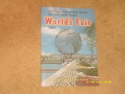 WORLD'S FAIR 1965 NY Official Souvenir Book 32 pp. w/ many color pictures (VG+)