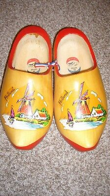 VINTAGE MADE IN HOLLAND LARGE WOODEN CLOG SHOES HAND PAINTED WINDMILL 23 cm