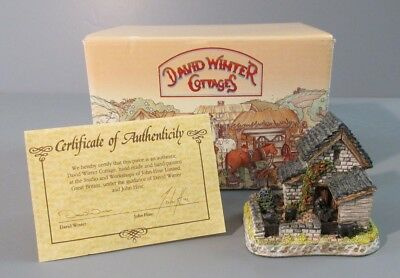 "1992 David Winter Cottages The Shires ""Yorkshire Sheep Fold"" Figure/Sculpture"