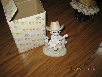 Precious Moments Porcelain Figurine 105821 Hallelujah Country 1987