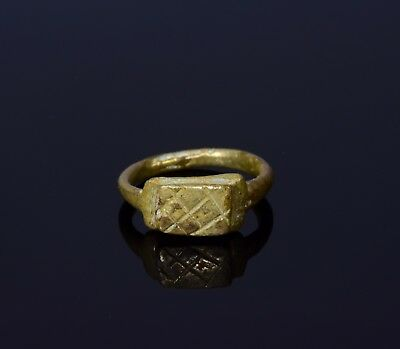 "Ancient Roman Legionary Bronze Ring With  ""x"" - Tenth Legion - T20"