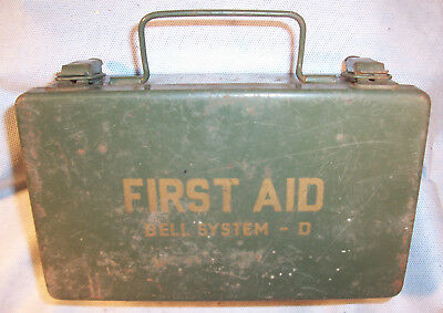 Bell Telephone Co System D Weatherproof Emergency First Aid Safety Kit Metal Box