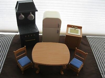 """Madeline 8"""" Dollhouse Furniture Kitchen  Stove Refrigerator Sink Table 2 Chairs"""