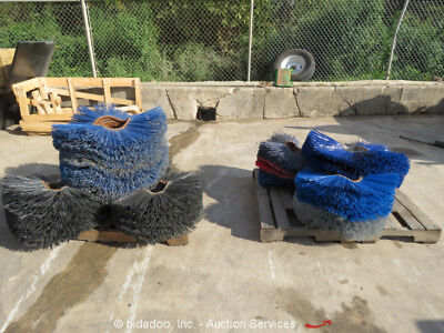 2 Pallets of 26'' 32'' Sweeper Replacement Brushes