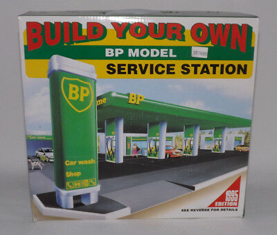 Build Your Own BP Gas Service Station Model Kit - 1995 Edition - NIB