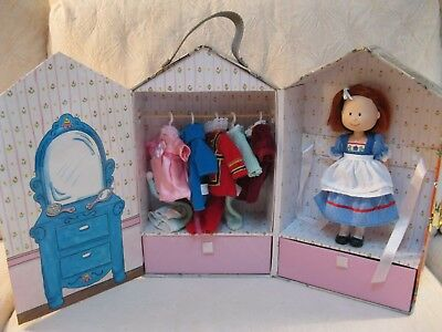 """Madeline 8"""" Doll Carrying Case 6 Outfits 5 Hangars Dutch Beefeater 2 Dresses Pj"""