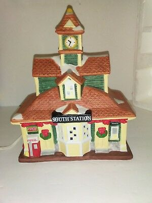 NEW /BOX Coca Cola South Station Town Square Holiday Christmas Village Bldg 1997