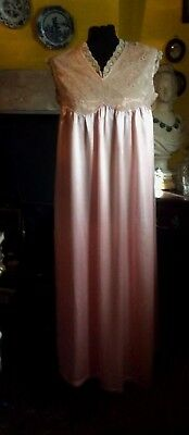 Beautiful vintage deep peach/pink silk and antique lace nightgown. 1930/40.