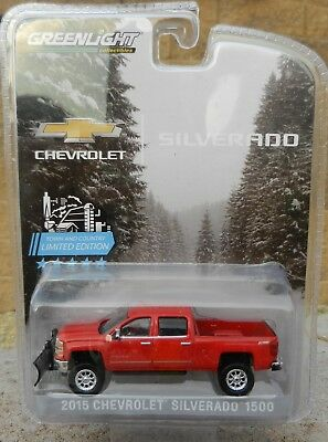 NEW 1:64 GreenLight RED 2015 Chevrolet SILVERADO Lifted w/Snowplow Tow Hitch