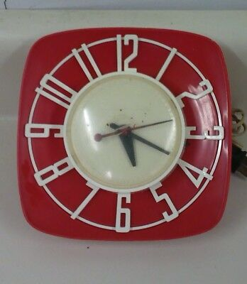 Vintage GE General Electric Red Electric Kitchen Wall Clock 2H44 WORKS