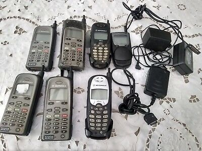 Huge Lot of 7 Vintage Motorola Cellular Phones iden,i550+,i500+,i1000 chargers