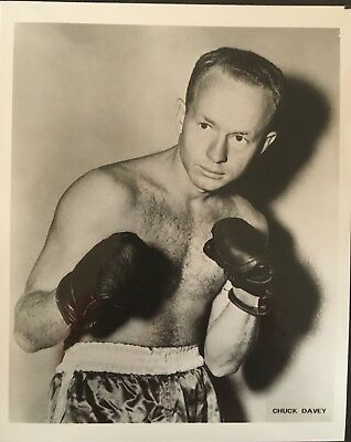 Lovely Photograph Of The Great Welterweight Contender Chuck Davey In Pose!!