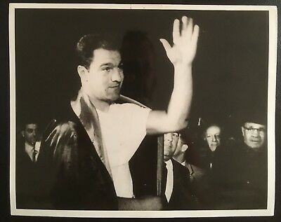 Lovely Photograph Of The Legendary Rocky Marciano Waving To The Crowd!!