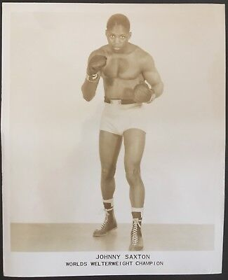 Wonderful Photograph Of The Great Welterweight Champion Johnny Saxton In Pose!!