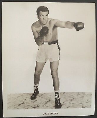 Superb Photograph Of The Great Light Heavyweight Champ Joey Maxim In Fight Pose!