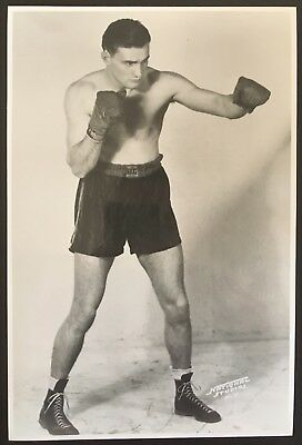 Superb Photograph Of Great Middleweight Champion Freddie Steele In Pose!!