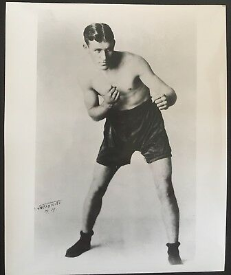 Nice Photograph Of The Great Welterweight Contender Dave Shade In Pose!!