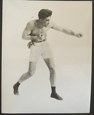 Nice Photograph Of The Great Featherweight Champion Johnny Dundee In Fight Pose!