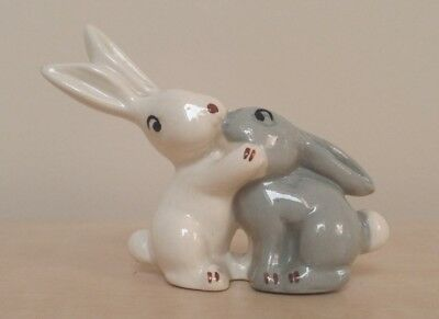 Vintage Wade - Kissing White Rabbit & Grey Rabbit - Excellent
