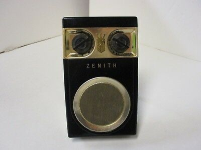 Zenith Royal 500 Hand Wired Transistor Radio For Parts or Repair
