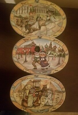 "Tourist Cats Made In Italy Set of 3  Oval Plates 8"" x 6""."