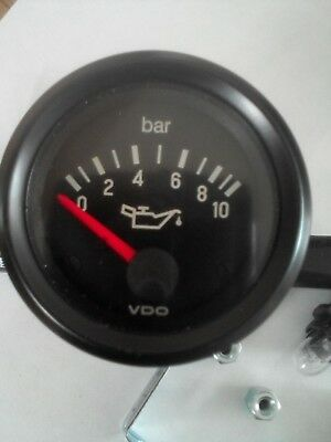 VDO Vision Oil Pressure Clock Lorry Van Black Face Dial 0-10Bar 24 Volt