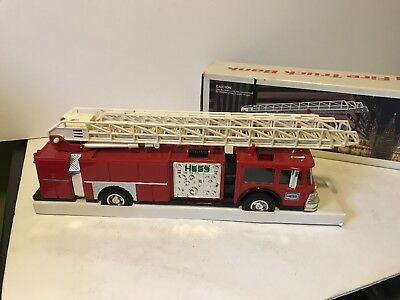 1986 Hess Red Fire Truck Bank New In Box