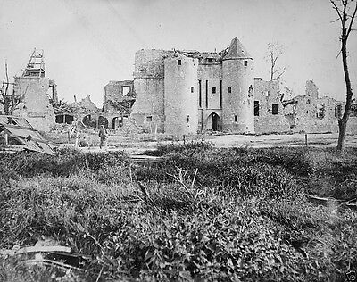New 8x10 Photo- Destroyed French chateau after the Battle of the Somme 1916