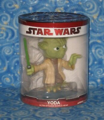 New Yoda Star Wars Large Sized Ultra Stylized Bobblehead Funko 2009