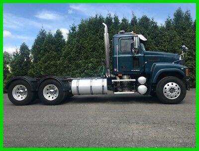2010 Mack CHU613 Daycab Semi Truck Commercial Road Tractor MP8 Diesel