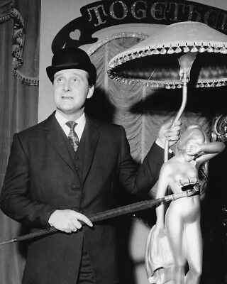7f7b28f0f115f The Avengers Patrick Macnee standing next to elegant lamp in bowler 8x10  Photo