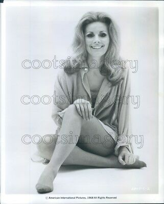 1968 Press Photo Lovely Blond Actress Louisa Rabaiottio 1960s Sitting Pose