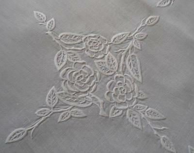 Vintage White Linen Madeira Embroidered Tablecloth Rose Bouquets 46""