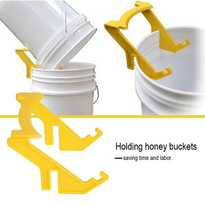 Plastic Bee Honey Holder Honey Bucket Rack Grip Frame Beekeeping Beekeepers Tool