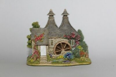 Lilliput Lane Cottages: Whisky Galore (the British Collection - Scotland)