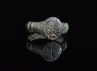 Ancient Roman Bronze Ring Depicting A Tree  - T78