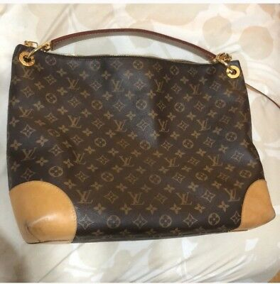5f959800f894 AUTHENTIC LOUIS VUITTON Berri Monogram Canvas MM Handbag -  1