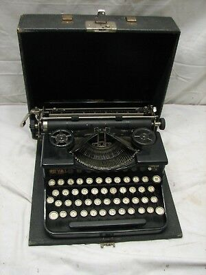 Antique 1927 'P' Model Royal Portable Typewriter w/Case