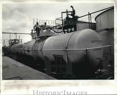 1982 Press Photo Maple syrup is stored and transported in tank cars - noa65122
