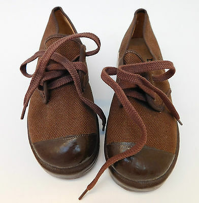 Vintage Dunlop BUNJEE canvas shoes UNUSED 1950s childs Size 10 school PE sports