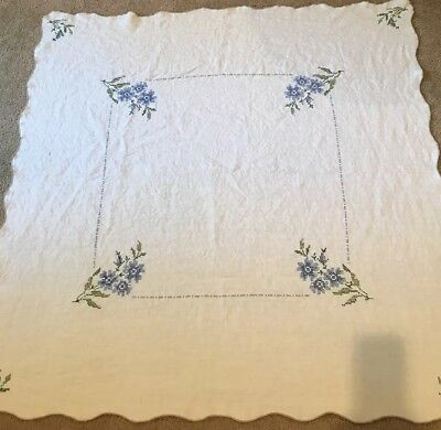 Vintage Cross Stitch Embroidered Blue Daisy Floral Linen Tablecloth GORGEOUS