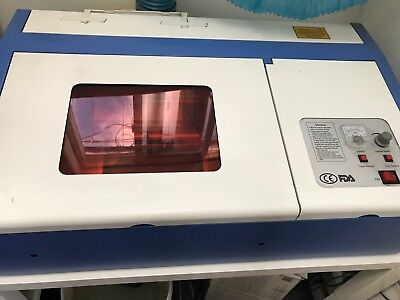 Engraving Machine USB-3020-B1/P1 - Very good condition, bought new-one year old