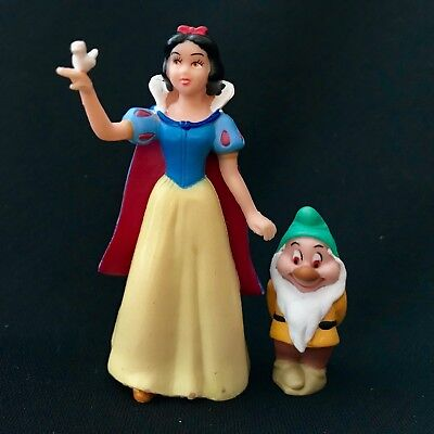 Disney Snow White Figure and Small Dwarf Friend / Characters