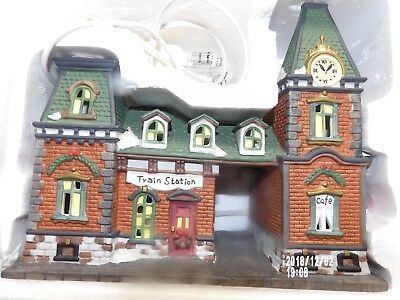 Dickens Collectibles Train Station Porcelain ,Lighted  Victorian Series 1997