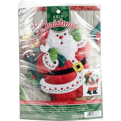 "Bucilla Felt Wall Hanging Applique Kit 15""x24""-here Comes Santa"